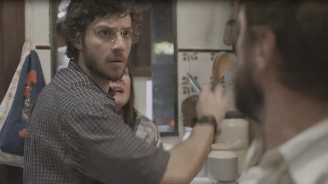 Thelma e Danilo armam plano e desmascaram Vicente após ratos em restaurante.