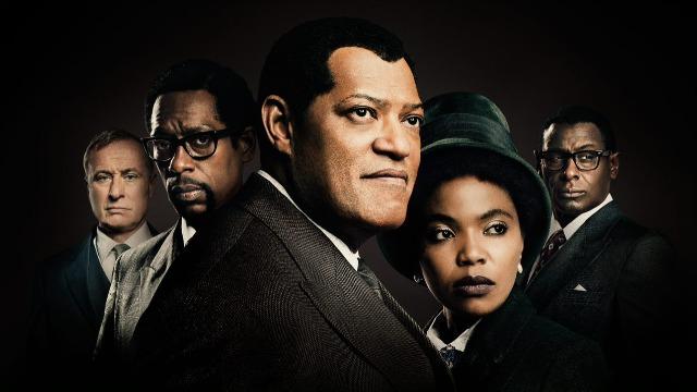 Dos tempos sombrios de luta contra a segregação racial até a conquista da presidência da África do Sul, a emocionante trajetória de Nelson Mandela é mostrada nos seis capítulos da série 'Madiba'.