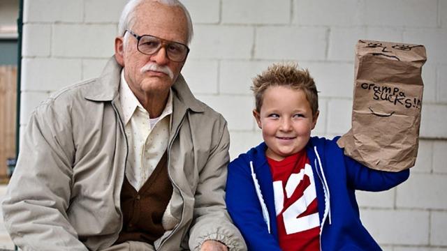 Irving Zisman é um senhor de 86 anos que viaja ao redor dos Estados Unidos ao lado de seu neto Billy, de apenas oito anos. Seu comportamento permissivo com o garoto gera protestos das pessoas à sua volta.