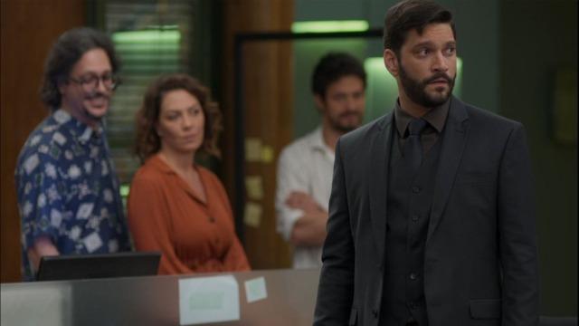 Diogo é expulso da editora por Alberto.