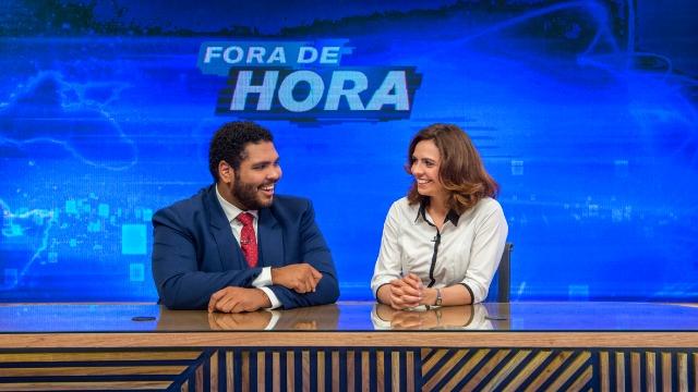 Ancorado pelos atores Paulo Vieira e Renata Gaspar, o humorístico pretende ressignificar as imagens e discursos do noticiário com todas as sátiras e paródias de assuntos reais que couberem em um telejornal surreal.
