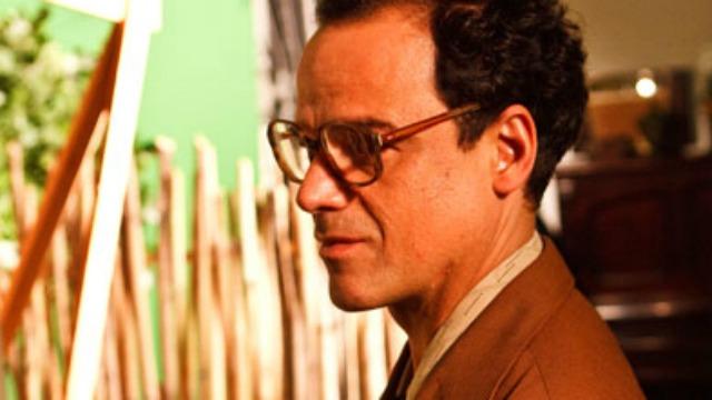 Cinebiografia do médium e líder espírita brasileiro Chico Xavier, de Marcel Souto Maior. A história parte da famosa entrevista dada por Chico no programa de TV