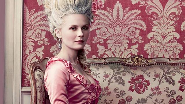 A vida da princesa Maria Antonieta, rainha da França aos 19 anos, contada desde seu nascimento na Áustria Imperial até o fim de sua vida na França, quando morreu guilhotinada em plena Revolução Francesa.