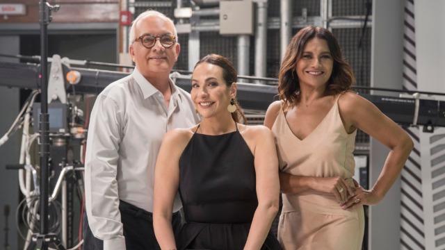 Maria Beltrão, Arthur Xexéo e Dira Paes comandam a transmissão da festa do Oscar na Globo. .