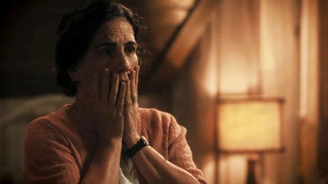 Lola descobre que Clotilde está grávida.