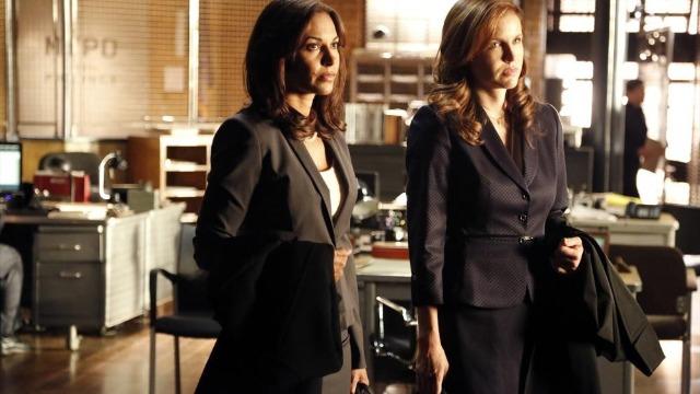Episódio 'Bem Maior': A investigação da morte de um economista da Wall Street faz com que Castle e Beckett descubram que a vítima era um informante secreto da Procuradoria dos EUA.
