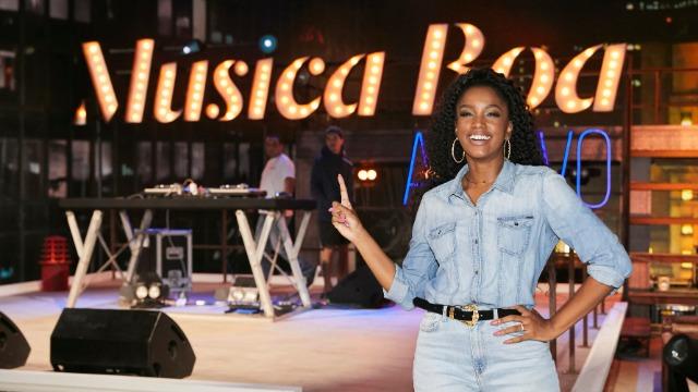 Vitor Kley relembra participação no 'Música Boa'. IZA recebe, ainda, a cantora Pitty e o rapper Rael no programa deste sábado, dia 15.