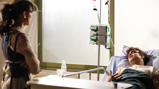 Antenor é rejeitado por Patrícia e briga com Griselda no hospital.