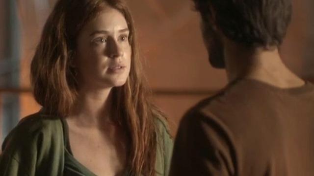 Eliza passa a noite no lar de Jonatas e fica cara a cara com Arthur.
