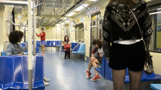 Primeiro capítulo tem parto no metrô e início da amizade das Five.