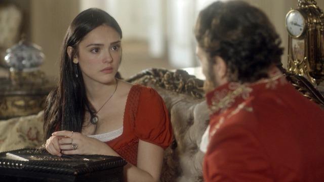 Anna aceita namorar Thomas para afastar investidas de Dom Pedro.