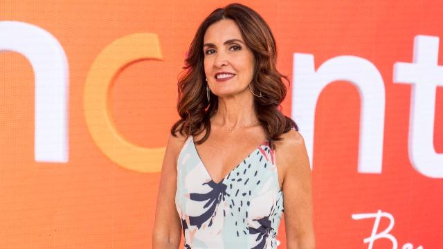 A apresentadora Fátima Bernardes comanda o programa que mistura comportamento, prestação de serviço, informação, música, entretenimento e muita diversão.