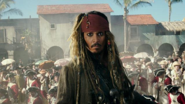 O capitão Salazar é a nova pedra no sapato do capitão Jack Sparrow. Ele lidera um exército de piratas fantasmas assassinos e está disposto a matar todos os piratas existentes na face da Terra. Para escapar, Sparrow precisa encontrar o tridente de Poseidon, que dá ao seu dono o poder de controlar o mar.