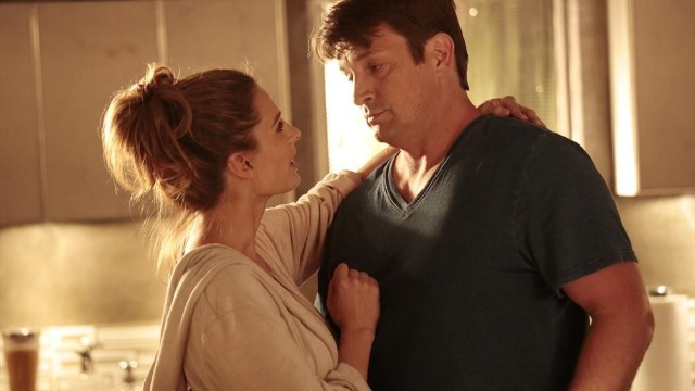 Castle apaga enquanto persegue criminosos com Beckett e acorda num mundo no qual ele e Kate nunca se conheceram.