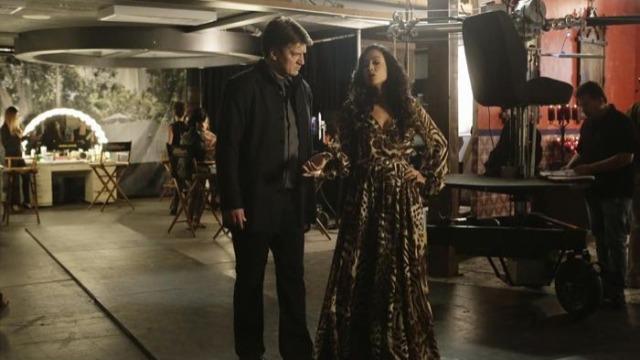 Beckett e sua equipe investigam o assassinato de uma atriz de novela, enquanto Castle é contratado pela estrela do programa para acompanhar o caso de um outro ângulo.
