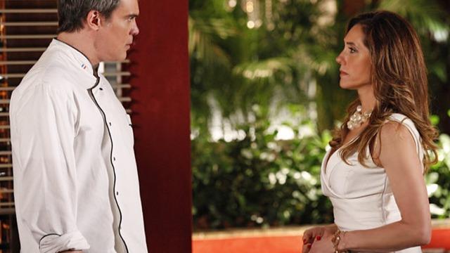 Tereza Cristina humilha René e fecha restaurante do marido.