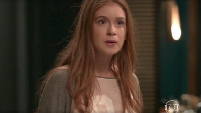 Eliza chora e foge do beijo de Arthur, que justifica: 'Foi um momento de confusão'