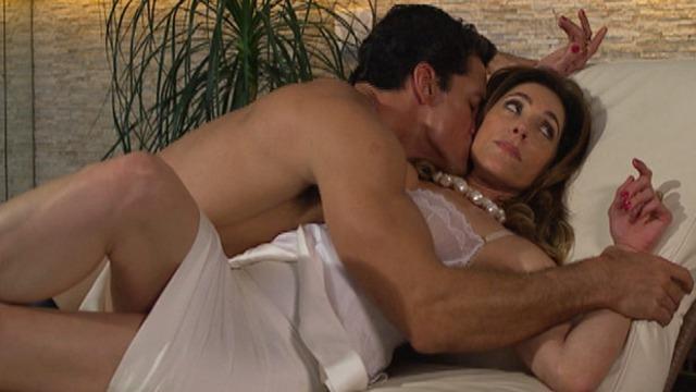 Tereza Cristina acusa Ferdinand de ser amante de Crô.