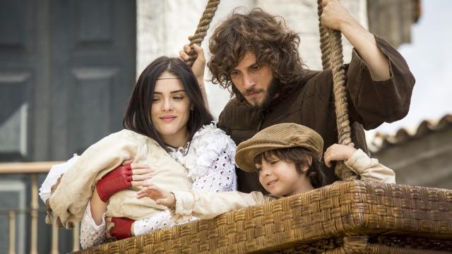 Joaquim foge com Anna e as crianças