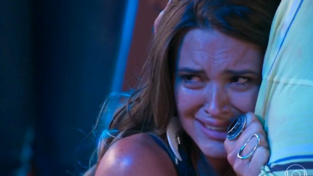Cassandra está fora do concurso e Eliza ganha em mais uma prova.