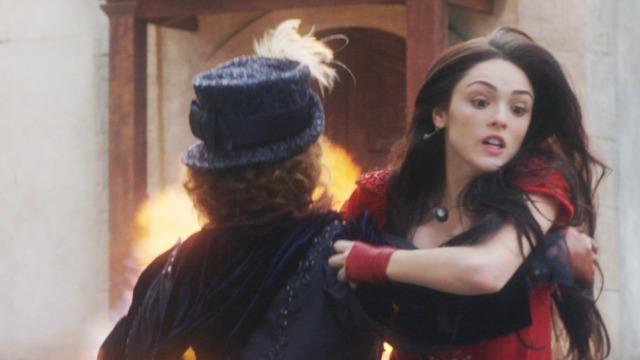 Anna salva Leopoldina de atentado orquestrado por Thomas