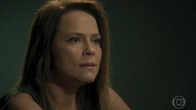 Lili procura pistas de Sofia e ouve ameaça de Jacaré