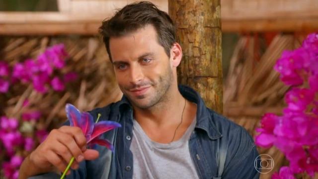 Cassiano procura por Ester na cabana: 'O nosso amor nunca vai acabar'