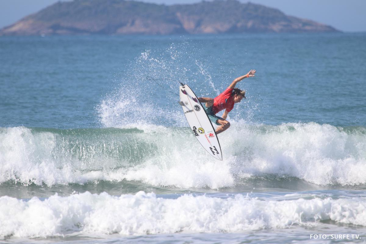 Ryan Kainalo. Foto: SURFE TV @surfetv.