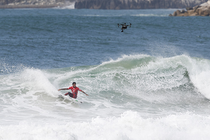 Filipe Toledo. Foto: WSL / Masurel.